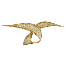 Sterle' Diamond Brooch