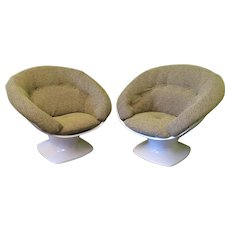 Pair of Plexi Chairs by Raphael