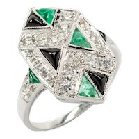 Art Deco Emerald Diamond and Onyx 18 Carat White Gold Ring