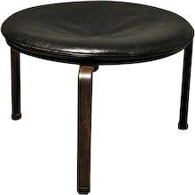 PK33 stool by Poul Kjaerholm