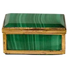 A Malachite Snuffbox, 19th century