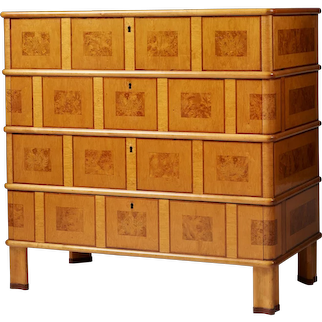 Chest of drawers attributed to Oscar Nilsson. Sweden. 1930's.