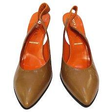 Prada brown leather decollete