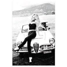 Ellen von Unwerth - Claudia Schiffer with Car