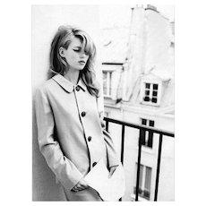 Ellen von Unwerth - Kate Moss with Letter