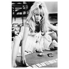 Douglas Kirkland - Brigitte Bardot playing Cards