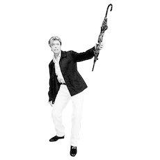 Ellen von Unwerth - David Bowie with Umbrella