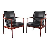 Pair of Rosewood Armchairs by Arne Vodder