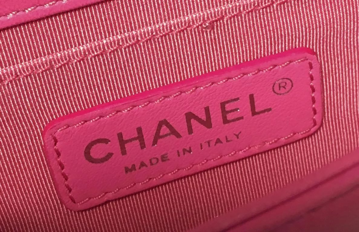 c470dc4d8f74 Chanel Pink Patent Leather Ombre Block Logo Mini Classic Flap Bag. Click to  expand