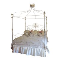 Bespoke Alhambra Four Poster Bed