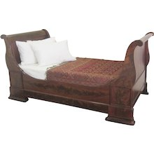 Figured Mahogany Lit Bateau Day Bed