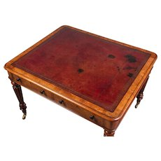 Gillows: A Very Good Quality William IV Walnut Writing Table