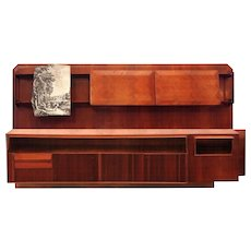 Large Dassi Wall Unit Bookcase, circa 1940, Part of a Living Room