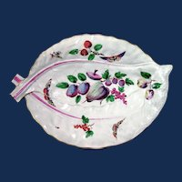 A First Period Worcester Porcelain Large Leaf-Shaped Dish, Circa 1770.