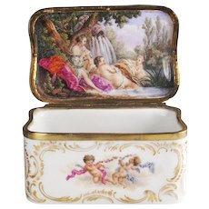 Gilt-metal mounted Porcelain Snuff Box with Paintings after Boucher, KPM Berlin ca. 1770