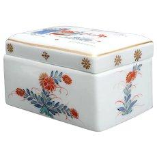 A big Meissen Toilette-box with Kakiemon Decor