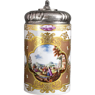 Meissen Tankard with rich Gold-Ornaments, rd. 1740