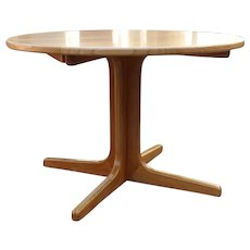 Extendable Dining table by Niels Moeller 1960s Denmark