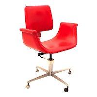 Mid Century Modern Swivel Desk Chair in the style of Gastone Rinaldi