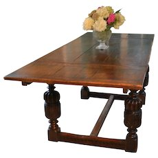 Elizabethan Style Draw Table