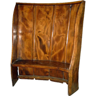 English Early Elm Curved Settle c 1740