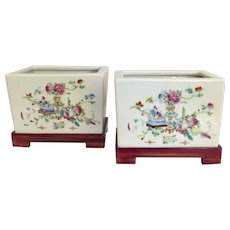 Pair Chinese Export Porcelain Famille Rose of Cache Pots Jardinieres on Stands Early 19th Century Precious Objects