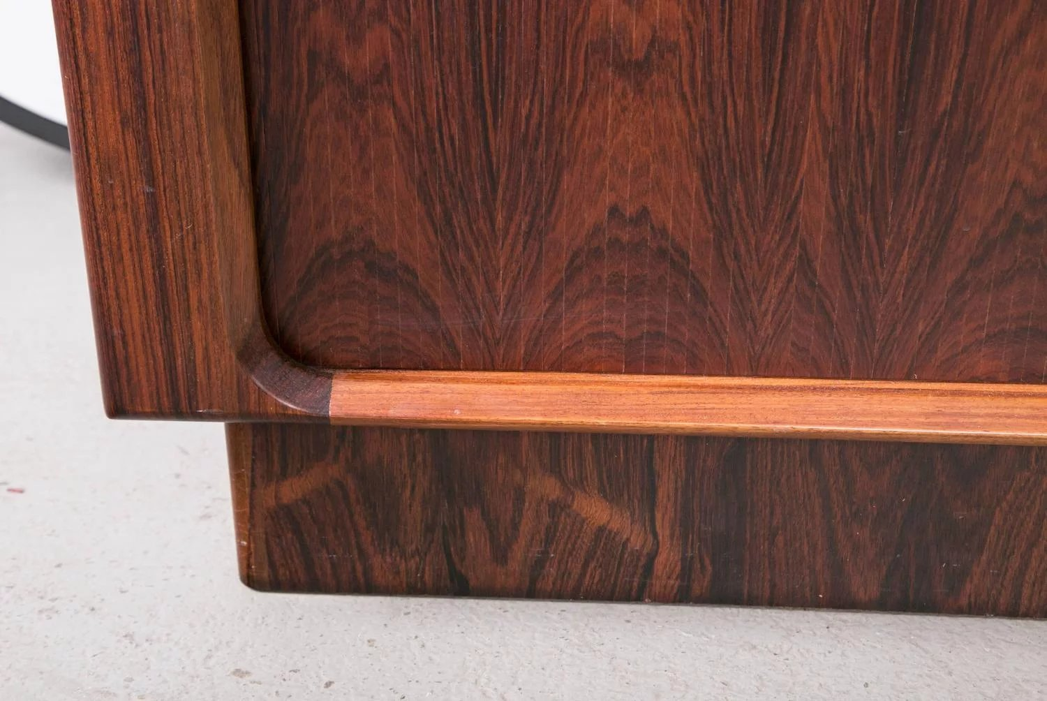 Danish Rosewood Credenza : Danish rosewood credenza galerie tact