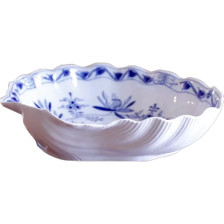 Large And Unusual Shell Shaped Antique Meissen Porcelain Bowl, Blue Onion Pattern