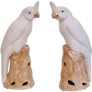 Pair of Fine Chinese Export Porcelain Cockatoos