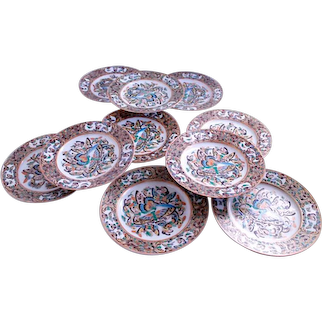 Ten Polychrome and Gilt Chinese Export Porcelain Thousand Butterfly Pattern Plates