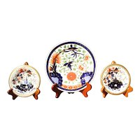 Trio of Coalport Porcelain Plates Including a Diminutive Pair, Early 19th Century