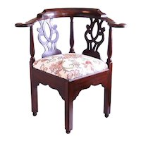 American 18th Century Mahogany Corner Chair