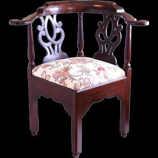 American 18th Century Mahogany Corner Chair