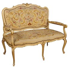 20th Century Italian Sofa In Lacquered and Gilt Wood In Louis XV Style