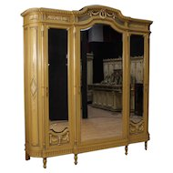 20th Century Italian Wardrobe in Lacquered Wood In Louis XVI Style