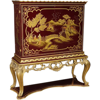 20th Century French Bar Cabinet In Lacquered and Gilt Chinoiserie Wood