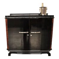 1920s Art Deco Walnut Commode