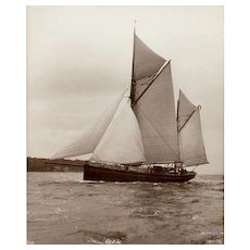 Early silver gelatin photographic print by Beken of Cowes - Yacht Revive