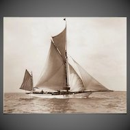 Early silver gelatin photographic print by Beken of Cowes - Yacht Verani