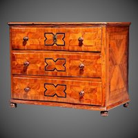 18th century Continental Table Chest of Drawers