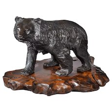 A large Meiji period bronze bear by Genryusai Seiya