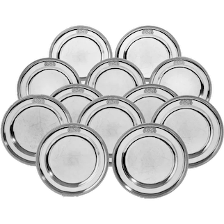A set of 24 George III silver dinner plates by Naphtali Hart, 1801
