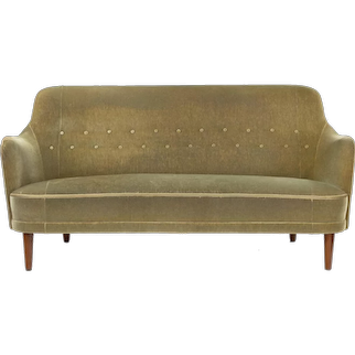 A Vintage sofa by samosas