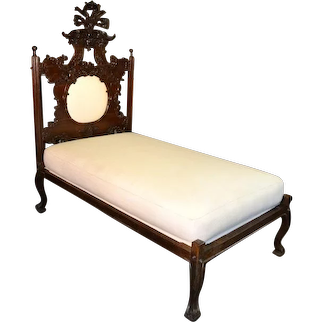 Portuguese Bed