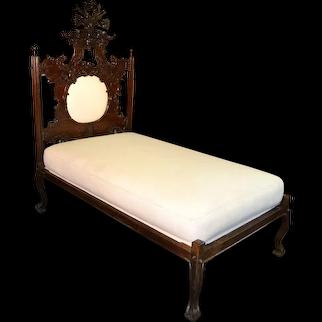 Portuguese Bed