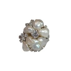 Vintage 18k Gold Diamond and Natural Baroque Pearl Ring