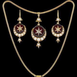 A Fine Victorian Garnet, Pearl And Diamond Semi Parure
