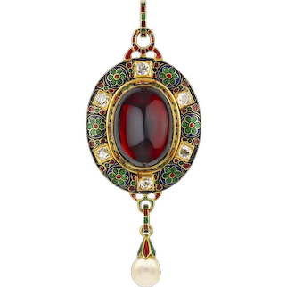 A Victorian Holbeinesque Pendant