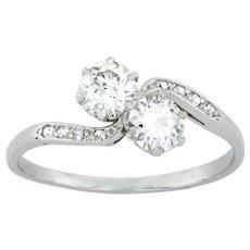 A Diamond Cross Over Ring