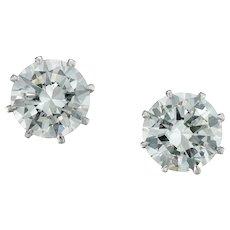 A Pair Of Round Brilliant-cut Diamond Stud Earrings